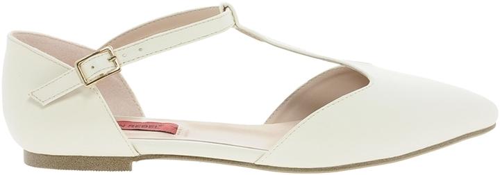 London Rebel Buckle Strap Flat Shoe - White