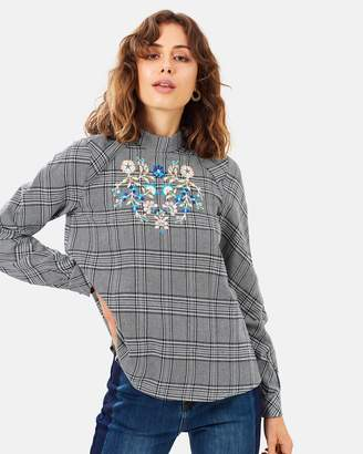 Atmos & Here ICONIC EXCLUSIVE - Vivian Embroidered Top