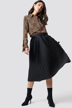 Na Kd Trend Solid Pleated Midi Skirt