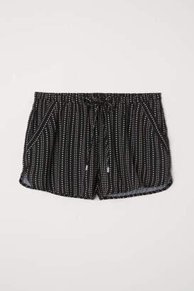 H&M Short Viscose Shorts - Black - Women