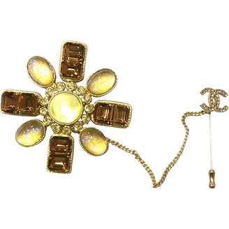 Chanel Yellow Metal Pin & brooche