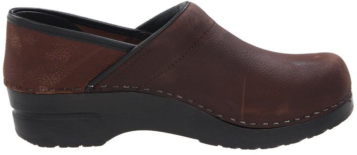 Sanita Professional Oil Women's Clog Shoes