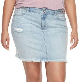 Juniors' Plus Size Rewash Frayed Light Wash Mini Jean Skirt