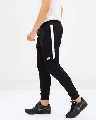 Nike Tribute Jogger Pants