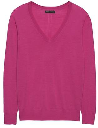 Banana Republic Machine-Washable Merino Wool Boyfriend V-Neck Sweater