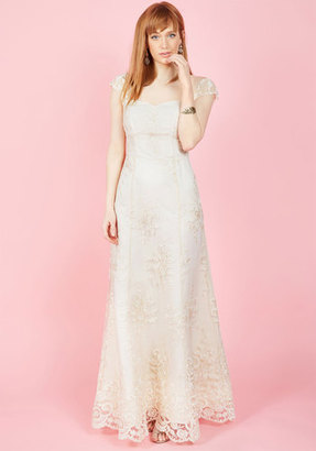 ModCloth Eye for the Divine Maxi Dress in Ivory in M $300 thestylecure.com