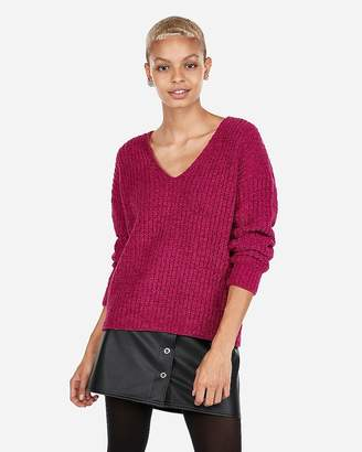 Express Cozy Chenille Shaker Knit V-Neck Sweater
