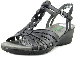 fbbf3336f at Amazon Canada · Bare Traps Baretraps Honora Memory Foam Wedge Sandals