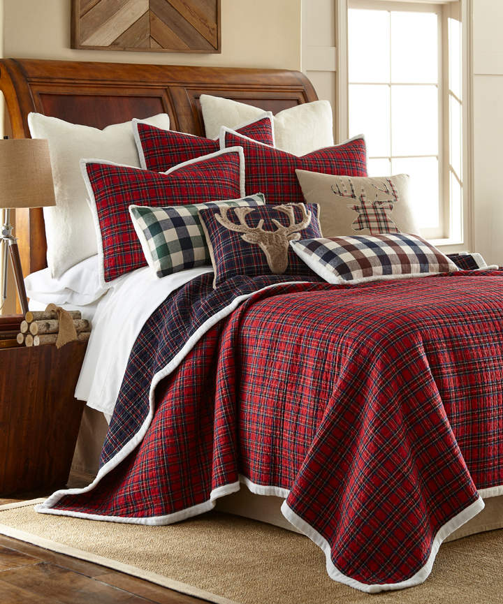 Red Plaid Faux Fur-Trim Quilt Set