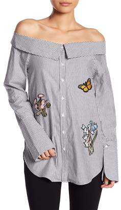 Romeo & Juliet Couture Off-the-Shoulder Collared Patch Blouse