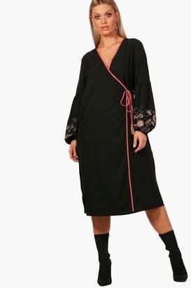boohoo Plus Embroidered Puff Sleeve Kimono Dress