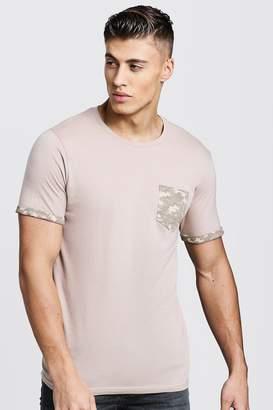 boohoo Crew Neck T-Shirt With Camo Pocket