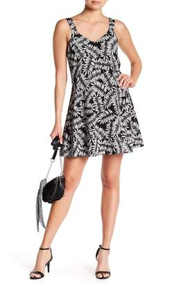 1 STATE 1.State Patterned V-Neck Dress