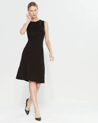 T Tahari Sleeveless Crew Neck Pleat Detail Dress