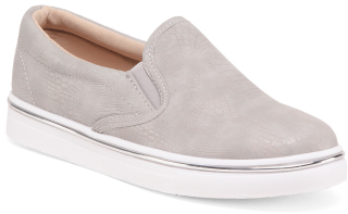 Twin Gore Slip On Sneakers $19.99 thestylecure.com