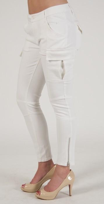 Miss Me Skinny Cargo in White