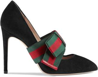 Gucci Suede pumps with removable Web bow