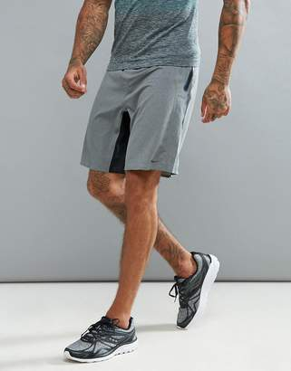 Saucony Running runlife stretch woven shorts in gray