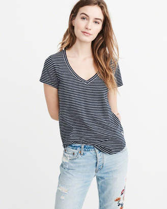 Abercrombie & Fitch V-Neck Relaxed Icon Tee