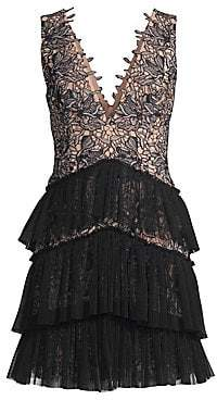 BCBGMAXAZRIA Women's Sleeveless V-Neck Tiered Lace Dress
