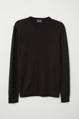 H&M V-neck Merino Wool Sweater - Black
