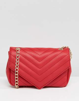 Glamorous Red Cross Body Bag With Gold Chain