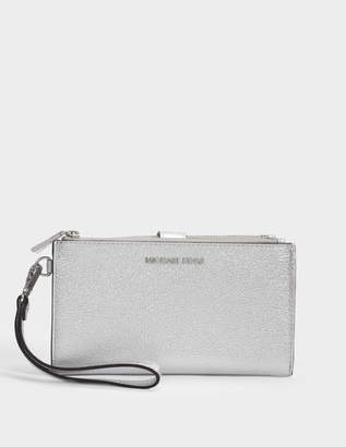 MICHAEL Michael Kors Double Zip Wristlet in Silver Metallic Mercer Pebble Leather