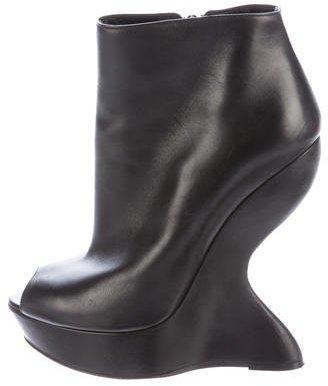 Alexander McQueenAlexander McQueen Molded Leather Booties