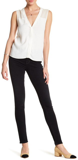 J BrandJ Brand 620 Super Skinny Jean