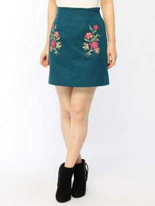 CECIL McBEE (セシル マクビー) - CECIL McBEE デジタル刺繍タイトスカート セシル マクビー スカート