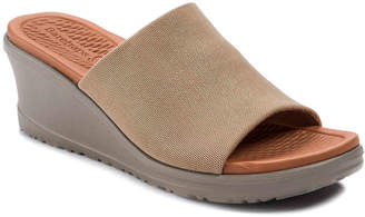 Bare Traps Honna Wedge Sandal - Women's