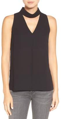 Trouve Choker Collar V-Neck Tank