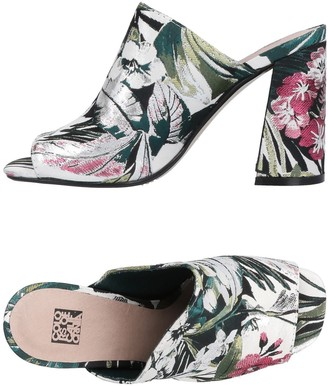 Colors of California Sandals - Item 11456806PD