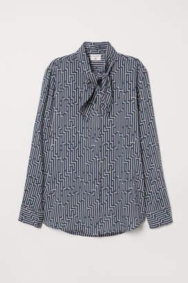 H&M Patterned Tie-detail Blouse - Blue