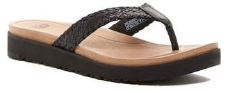 UGG Lorrie Leather Thong Sandal