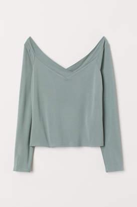 6fbb9d9a5cec82 H M Off Shoulder Women s Tops - ShopStyle