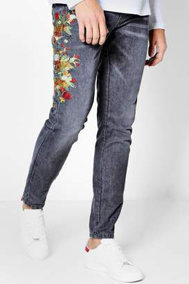 boohoo Skinny Fit Floral Embroidered Jeans