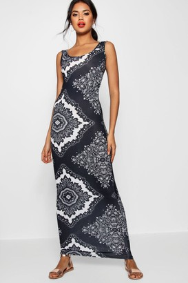 boohoo Mono Paisley Scoop Neck Maxi Dress