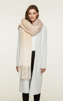 Soia & Kyo MARIBEL woven scarf with fringe and geometric print