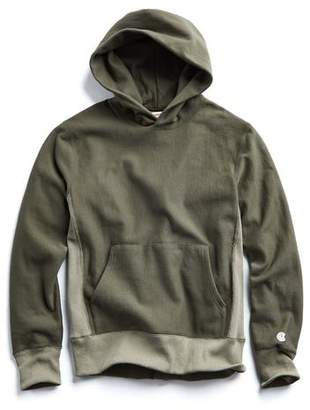 Todd Snyder + Champion Contrast Popover Hoodie in Olive