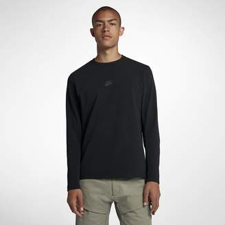 Nike Sportswear Tech Pack Long-Sleeve Crew