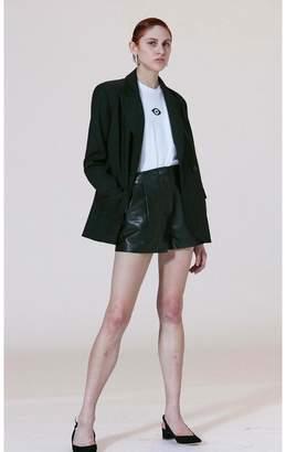Veda Bess Leather Short Black