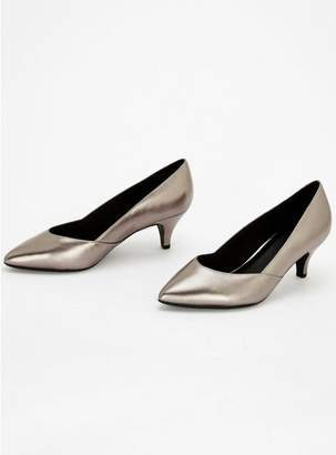 Evans EXTRA WIDE FIT Pewter Sweetheart Kitten Heel Court Shoes