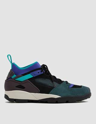 Nike ACG Air Revaderchi Sneaker in Black/Clear Jade