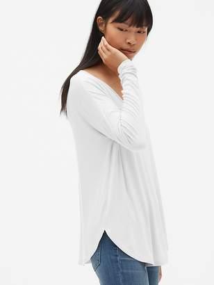 Gap Long Sleeve Open V-Back T-Shirt