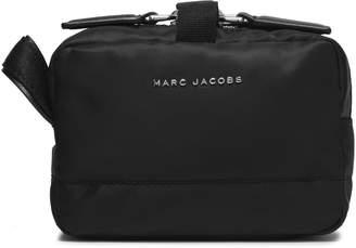 Marc Jacobs (マーク ジェイコブス) - マーク ジェイコブス レザートリム シェル加工生地 コスメティックケース