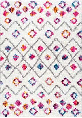 nuLoom Tatyana Moroccan Diamond Trellis Shaggy Machine-Made Synthetic Floral Rug