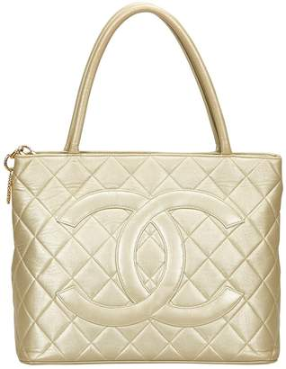 Chanel Vintage Medaillon Gold Leather Handbag