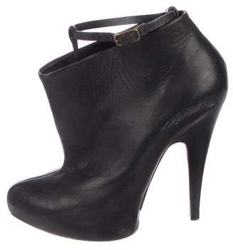 Givenchy Pointed-Toe Leather Booties