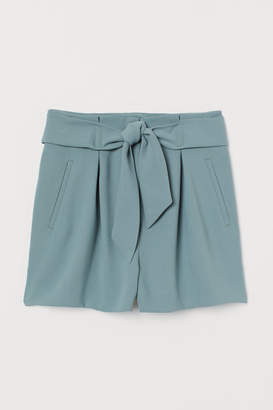 H&M Fitted Shorts - Green